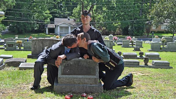 ht_satanists_perform_gay_wedding_westboro_church_thg_130718_16x9_608